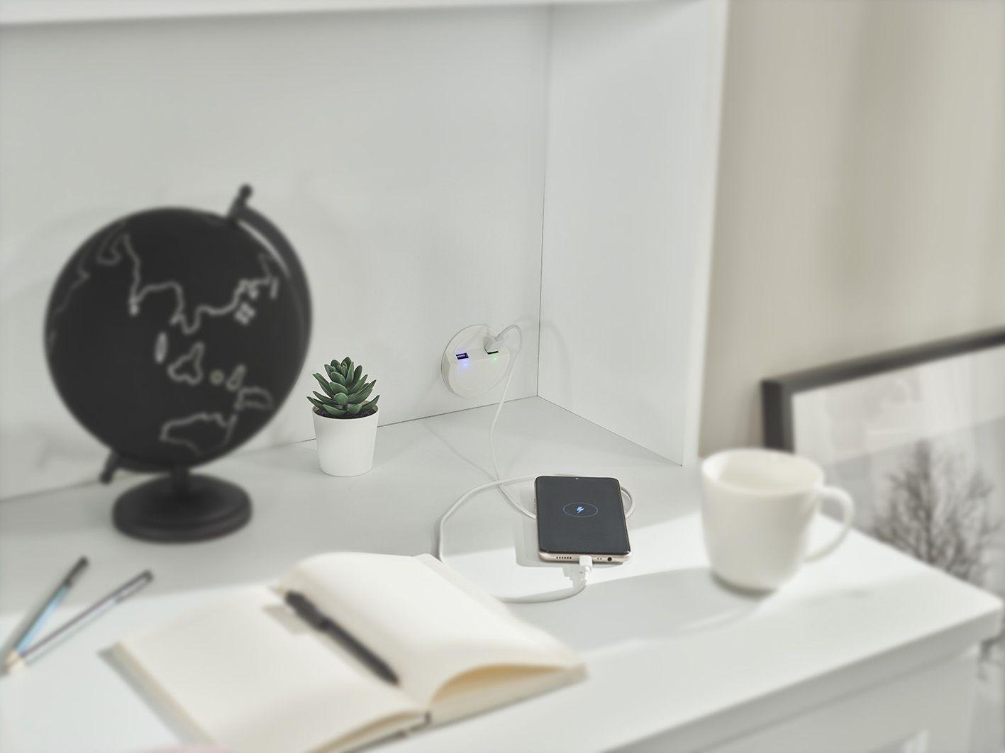 Schreibtischaufsatz Lory mit 4 Fächern und USB in Weiss