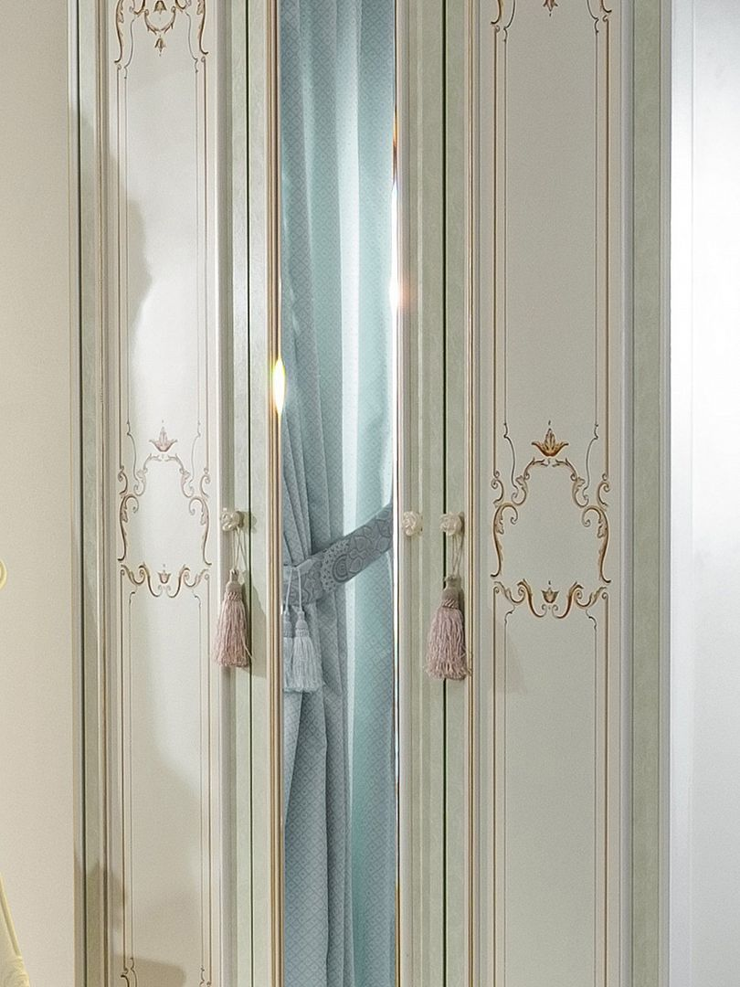 Barock Kleiderschrank Louise 3-Türig